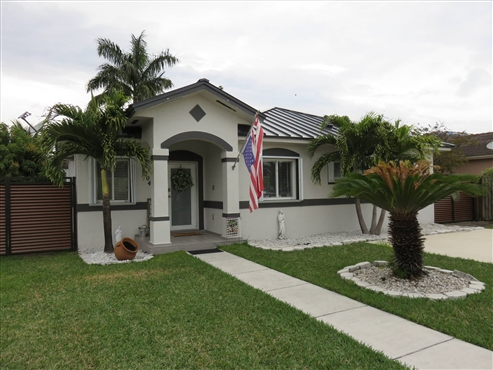 Photo of 504 SE 12th Ter, Homestead, FL 33033