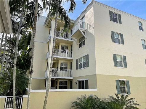 Photo of 7590 SW 102nd St #202, Pinecrest, FL 33156