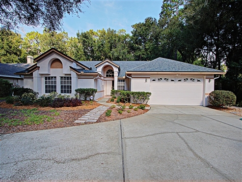 Photo of 1415 Whispering Wood Way, Deland, FL 32724