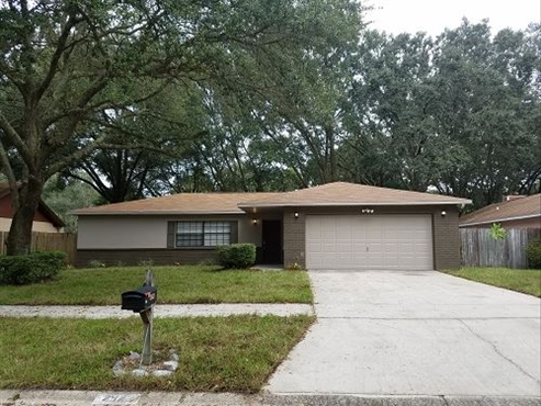 Photo of 2423 Forrest Crest Circle, Lutz, FL 33549