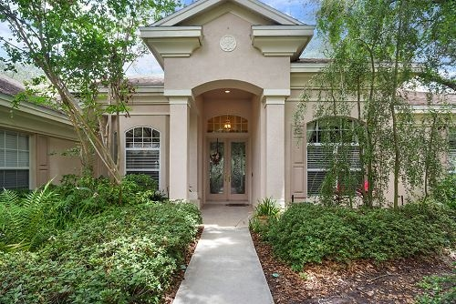 Photo of 5819 Audubon Manor Boulevard, Lithia, FL 33547