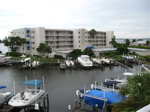 Photo of 5964 River Run Drive, Sebastian, FL 32958