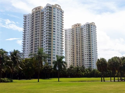 Photo of 1755 E Hallandale Beach Boulevard #2401E, Hallandale Beach, FL 33009