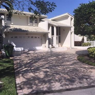 Photo of 100 Holiday Drive, Hallandale Beach, FL 33009