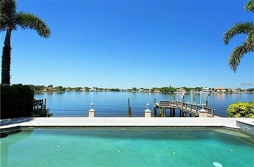 Photo of 295 NE Bayview Drive, Saint Petersburg, FL 33704