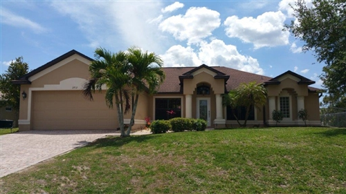 Photo of 2712 NW 22nd Street, Cape Coral, FL 33993