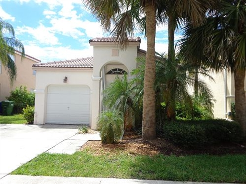 Photo of 604 NW 159 Avenue, Pembroke Pines, FL 33028